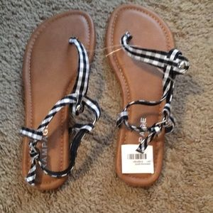 New With Tags Women's Size 7 Sandals (Rampage)